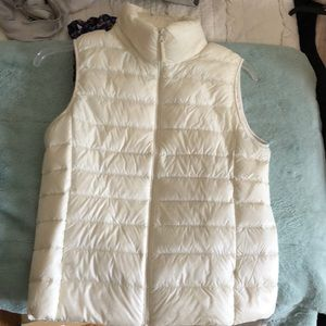 Uniqlo white vest